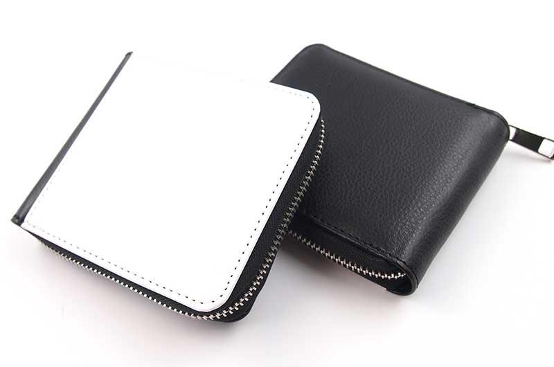 PUレザー素材の頑丈な二つ折り財布