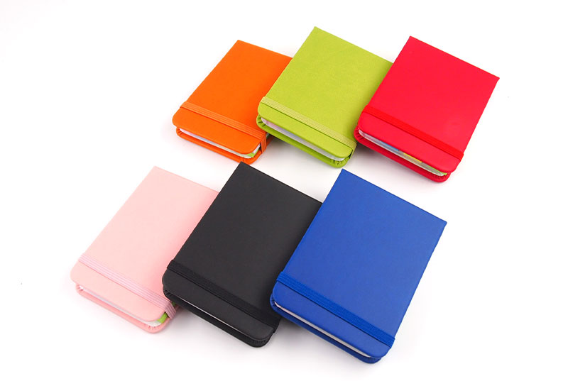 6種類のカラーと同色ゴム付き