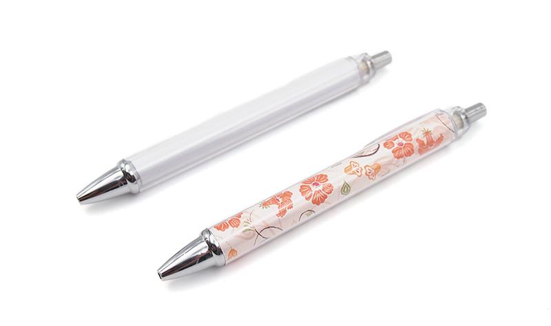 セットで作成がおすすめ!オリジナルボールペンも作成可能。