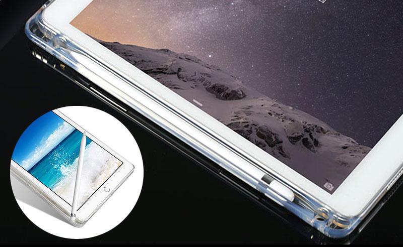 Apple Pencil収納ポケット・ペンスタンド付のiPadソフトケース。