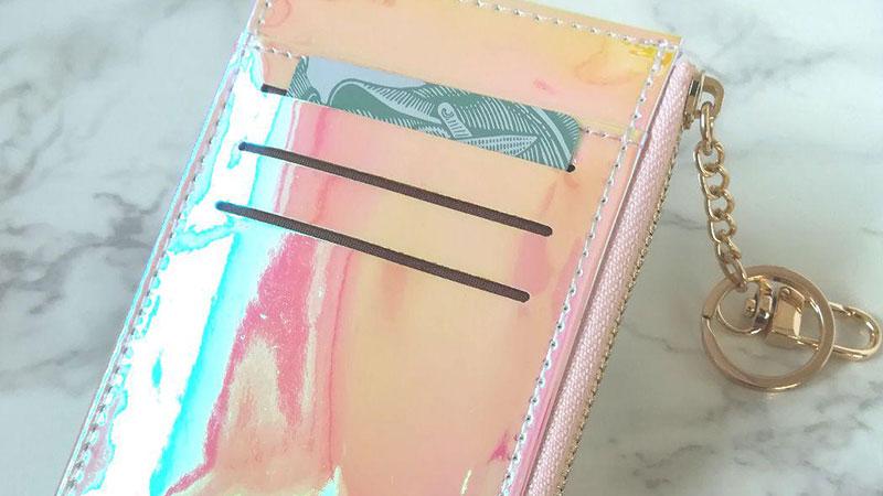 キャッシュレス時代に合った多機能なオーロラミニ財布