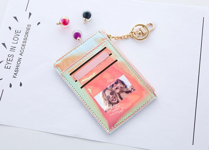 オーロラミニ財布の特徴