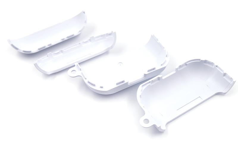 AirPods Proに綺麗にフィット!本体を全面保護できるケース。
